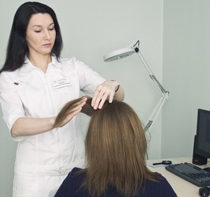 Диагностика волос у женщин